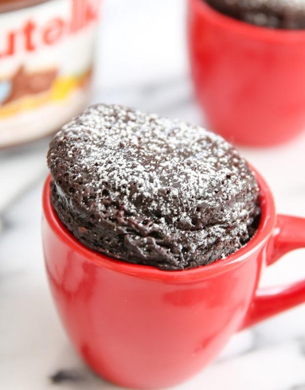 3-ingredient-flourless-nutella-mug-cake-28