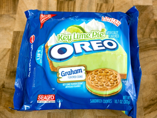 key-lime-pie-oreos-review-02